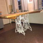 Aus Omas alter Nähmaschine wird ein Tisch