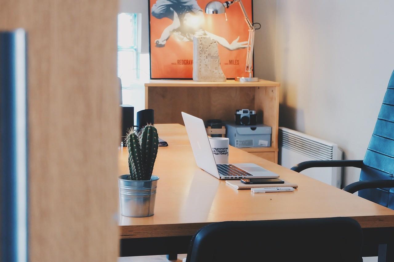 Büroservice und Praxisservice in Lüneburg und Hamburg: Montage von Büromöbeln